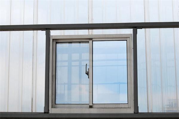 断桥铝门窗厂